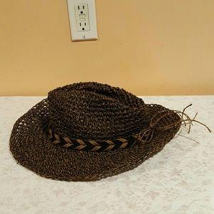 100% Paper Hat (Exclusive of Trim)